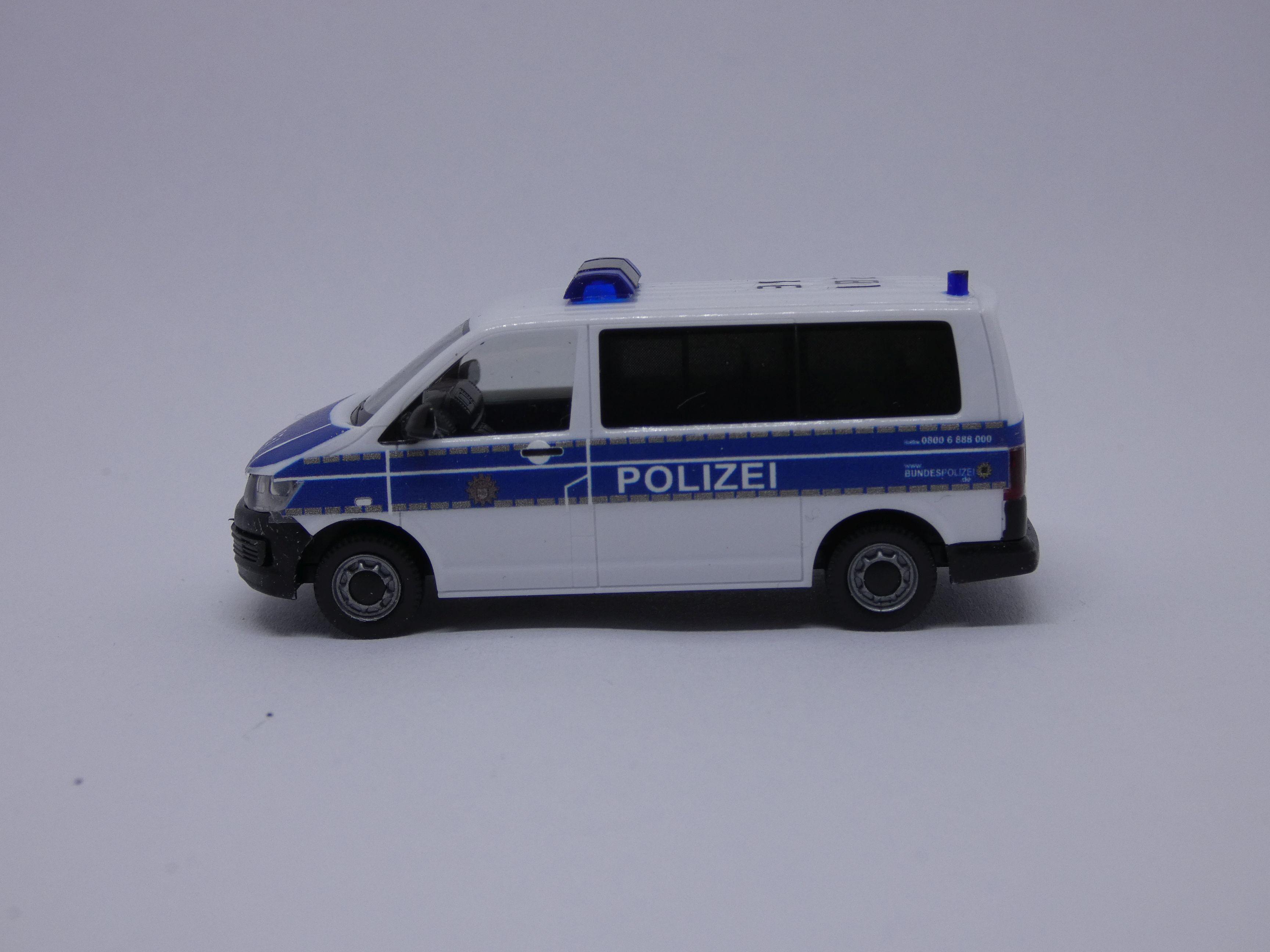VW T6 Bus Halbgruppenkraftwagen der Bundespolizei